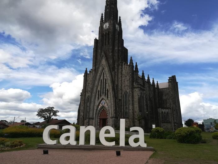 Brasil Canela, Church